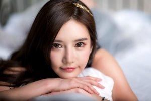 Han Ga Eun, Gadis Silikon